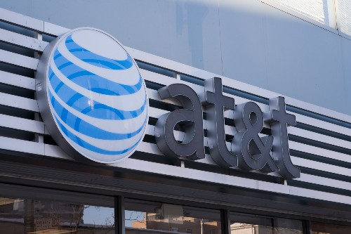 AT&T and T-Mobile received 600,000 government requests for user data last year