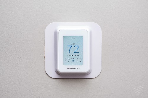 Honeywell Home T9 thermostat review: smart sensors, frustrating limitations