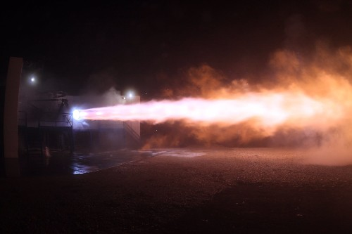 SpaceX test-fires the engines that could take humans to Mars