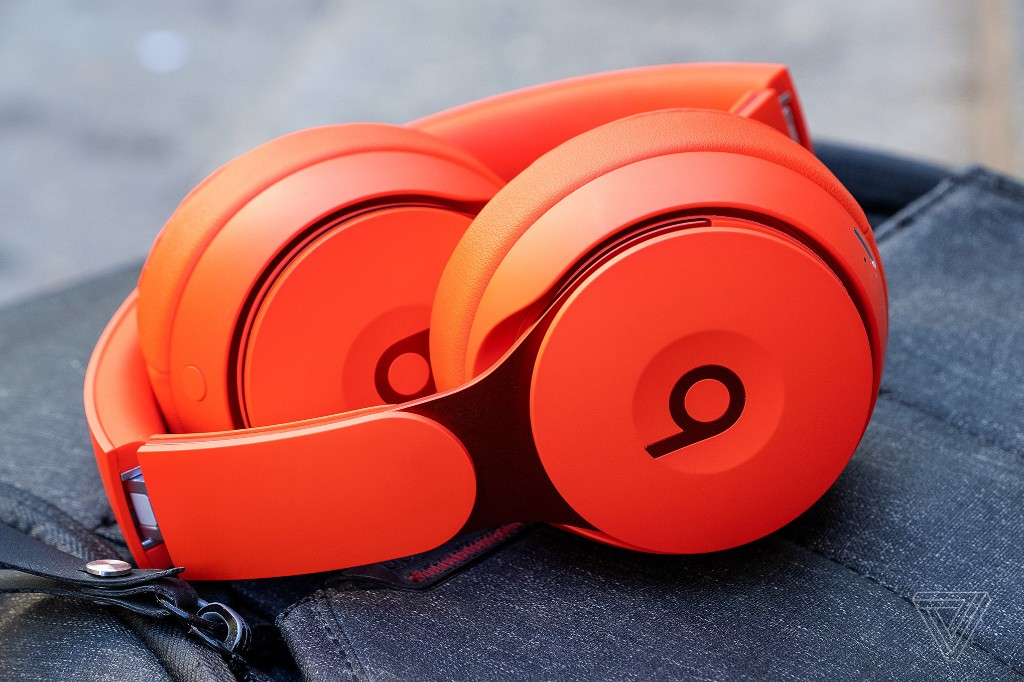 Beats and Bose noise-canceling headphones are $50 off at Amazon
