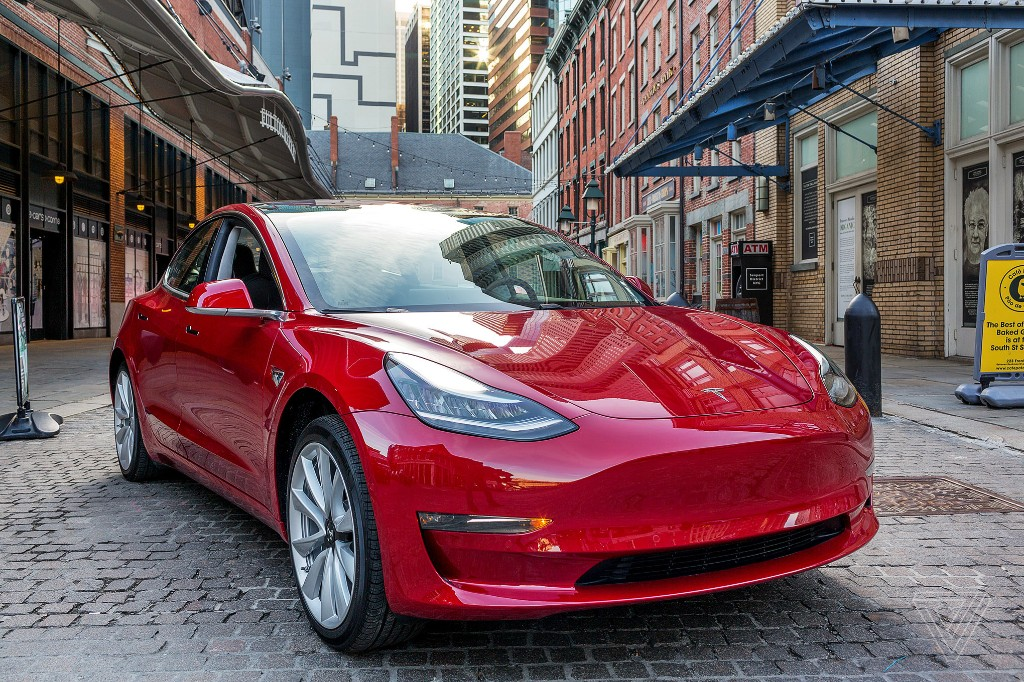Tesla launches car insurance offering in California
