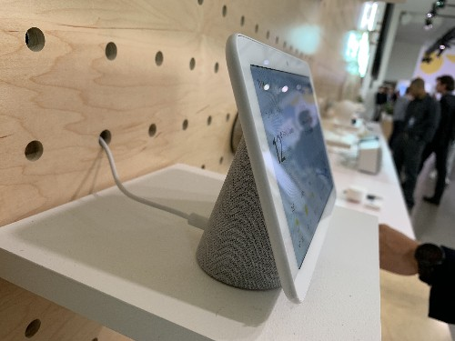 Google Home Hub hands-on: Assistant gets a screen