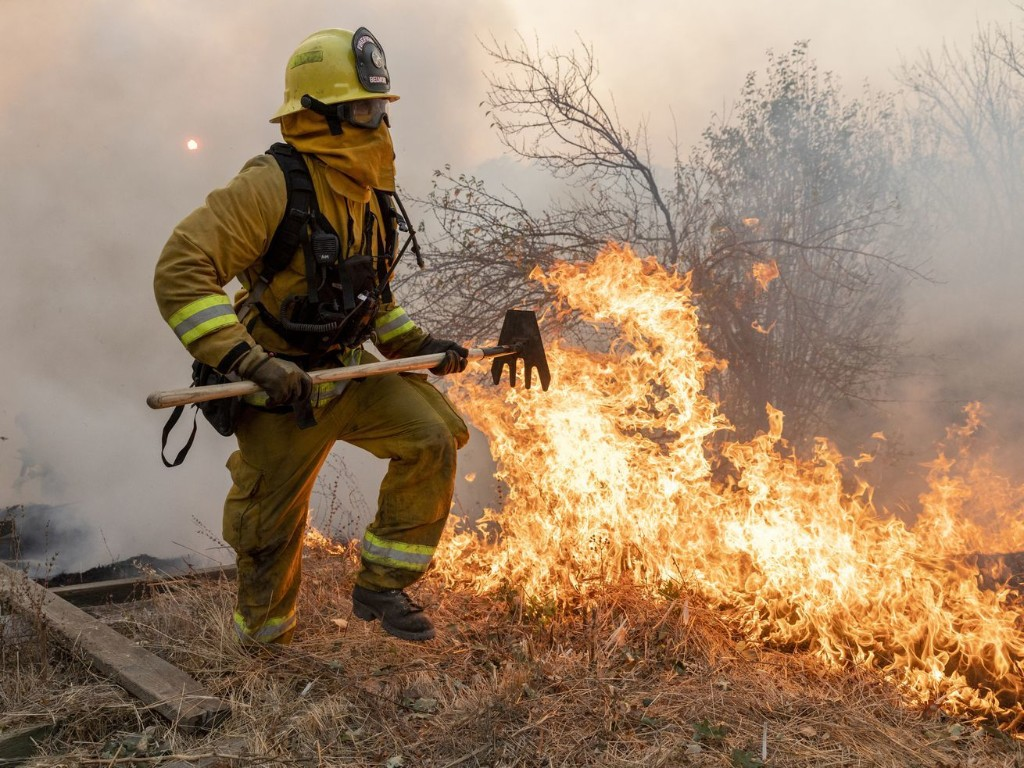 Smoke and COVID-19: How the coronavirus could make wildfire battles worse this year
