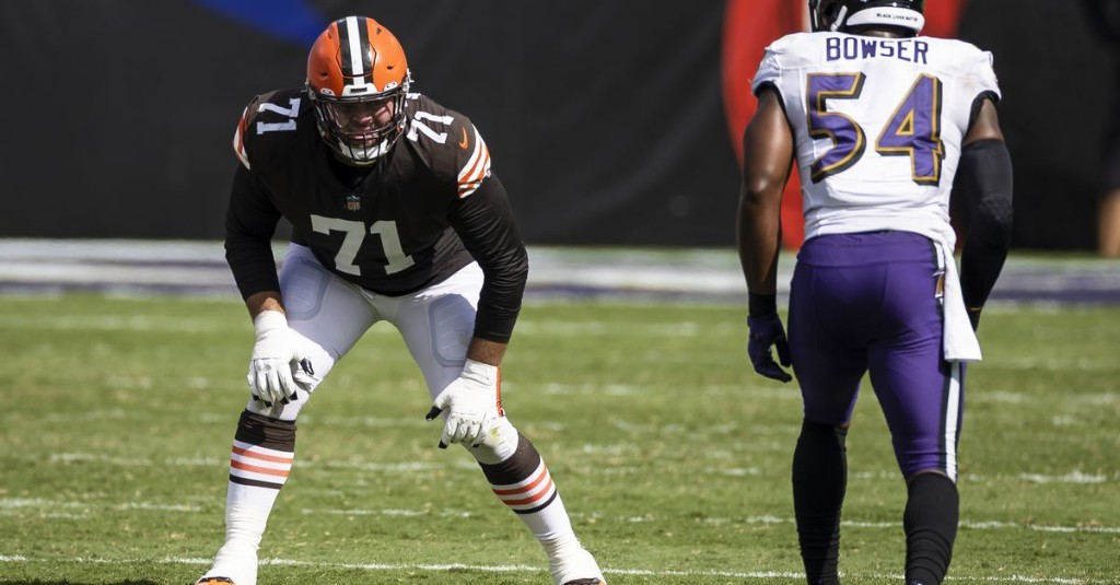 Browns dealing with injury questions at tackle