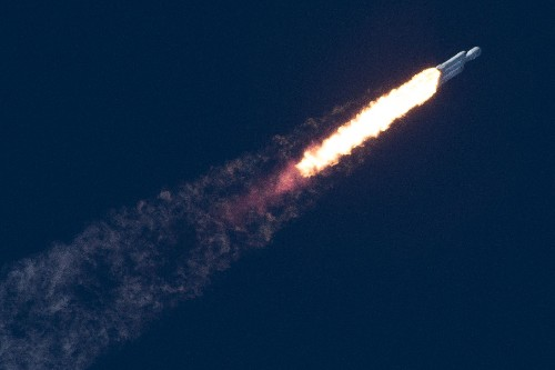 As commercial spaceflight takes off, the aviation industry gets protective of airspace