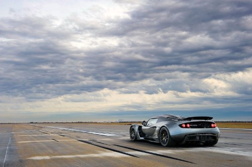 Hennessey Venom supercar narrowly tops land speed record