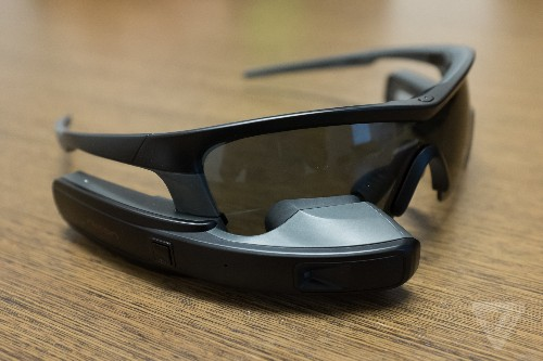 Intel acquires wearable display company Recon Instruments