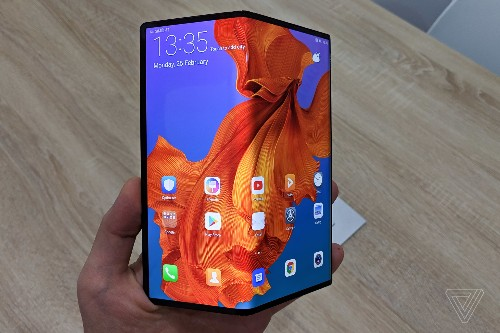 Huawei delays Mate X launch beyond September