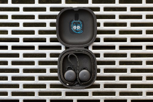Google's Pixel Buds are now available in the UK, Australia, and Germany