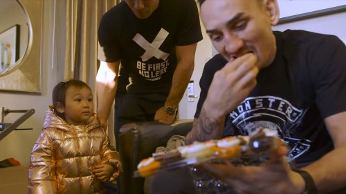 UFC 218 Embedded video (Ep. 6): Max Holloway's cupcakes have arrived!