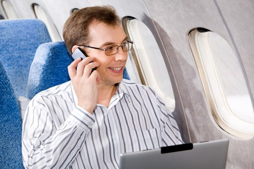 FCC confirms it may allow mobile calls during flight, but airlines have final say (update)