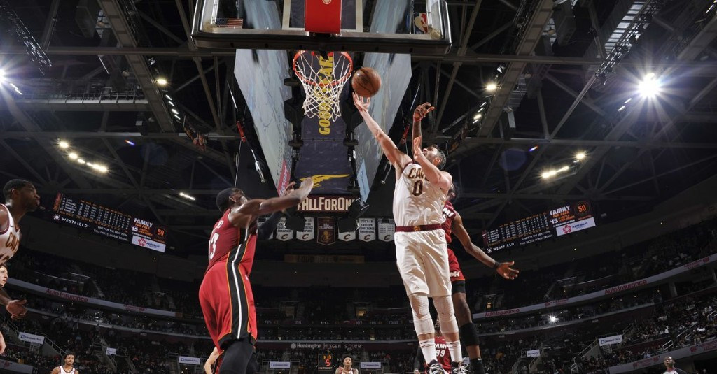 Heat collapse to Cavs, lose 125-119