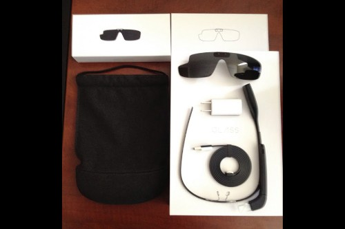 First Google Glass Explorer kits arriving to backers, user guide posted online