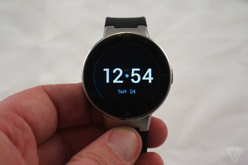Alcatel's new smartwatch is a cheaper Moto 360 that works with the iPhone