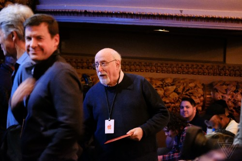Walt Mossberg reacts to the new MacBook Air on The Vergecast