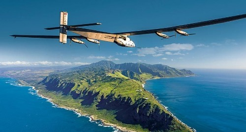 Solar Impulse 2 breaks the world record for the longest solo flight