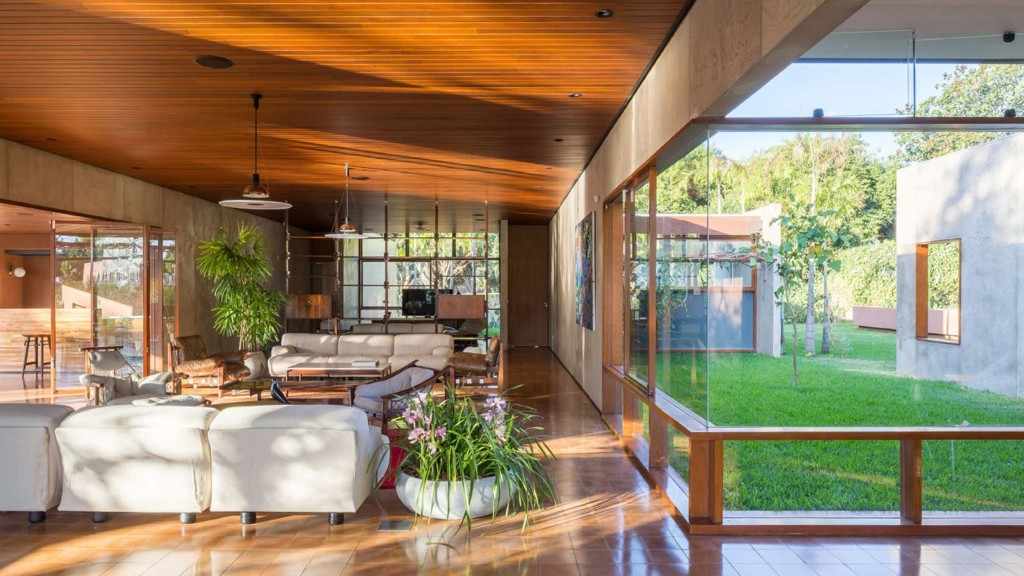 Gorgeous modern home in Brazil dazzles in the sun