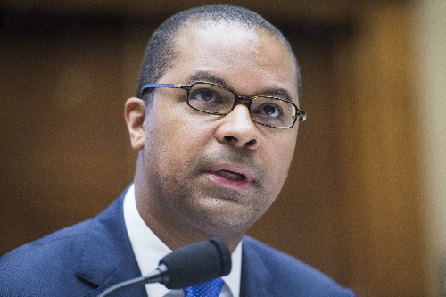 FCC commissioner blasts carriers for failure to fight robocalls