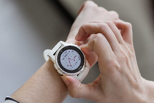 The Garmin Fenix 5S is the fitness watch I don't want to take off