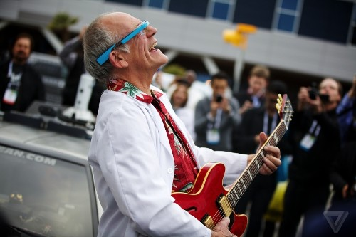 Doc Brown sets the DeLorean to 2014, arrives at CES to shill for Gibson