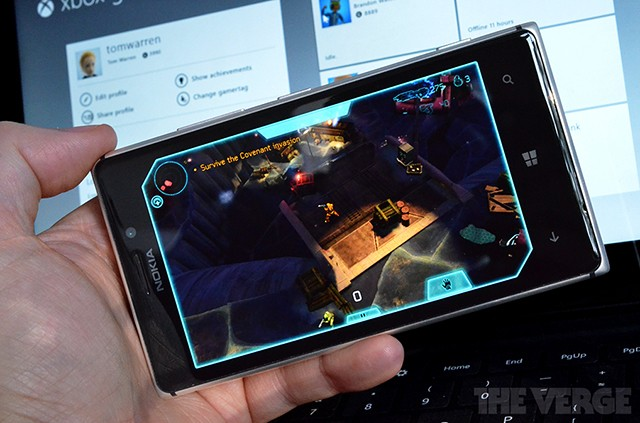 'Halo: Spartan Assault' now available exclusively on Windows 8 and Windows Phone 8 for $6.99