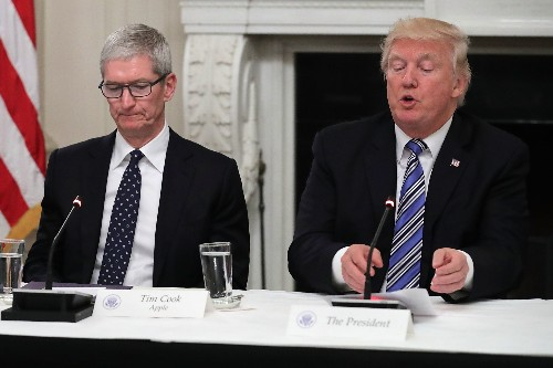 Trump says Tim Cook made 'good case' that trade war helps Samsung over Apple