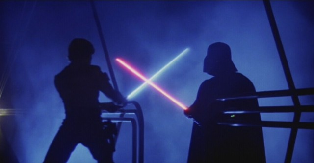 Scientists create 'light saber' material with photon-binding technique