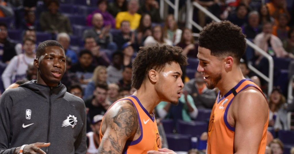 Oubre (knee) might not return for Suns' slim playoff hopes