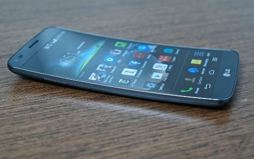 LG's curved smartphone is coming to Sprint January 31st for $299.99