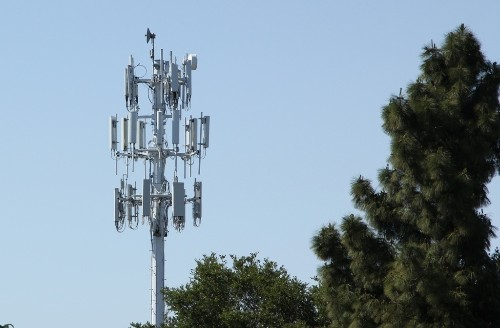 American wireless customers pay more for less speed