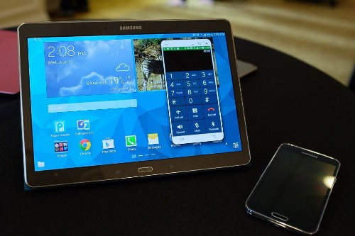 BlackBerry's new tablet is a Samsung Galaxy Tab S
