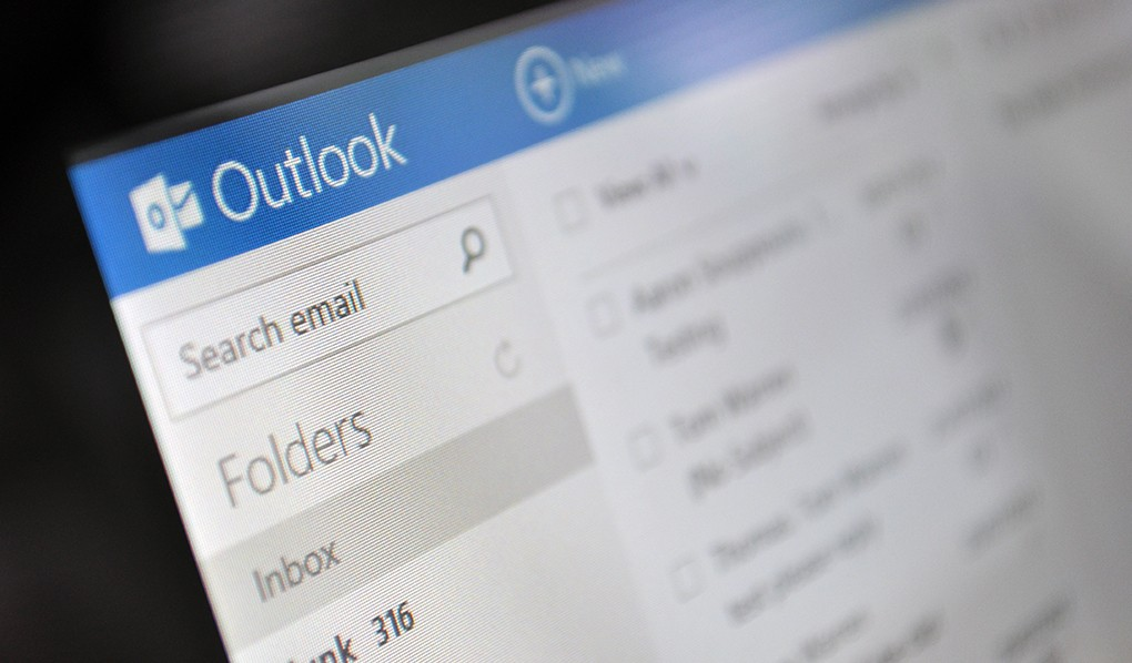 Microsoft's Outlook on the web is getting a Gmail-like text prediction feature