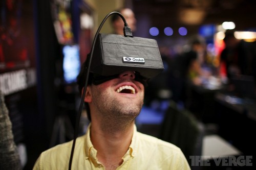 Flush with cash, Oculus plans ambitious new VR headset