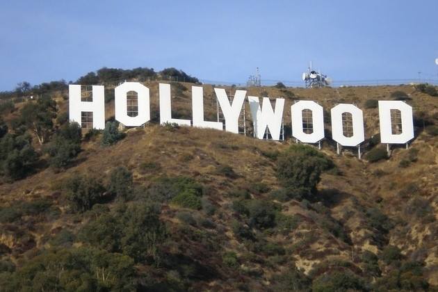 Movie studios might let people rent films still in theaters for $50