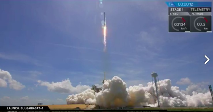SpaceX successfully launched and landed its second recycled rocket