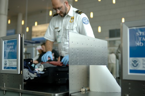 Leaked CIA documents show how to beat airport security like a spy