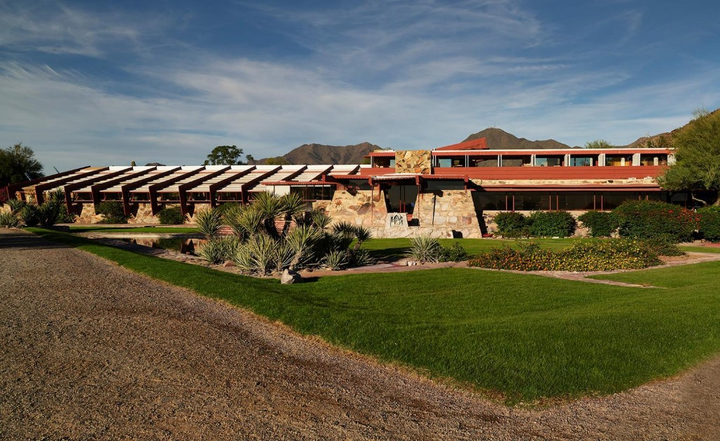 Join virtual tours of Frank Lloyd Wright's architectural masterpieces