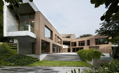 Astrid Hill House by Tsao & McKown reinvents the Chinese courtyard typology