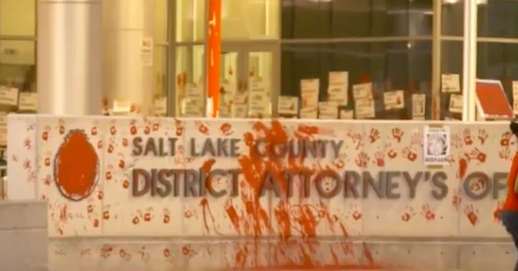 Utah protesters smash windows, splash paint on district attorney's office after police cleared in shooting