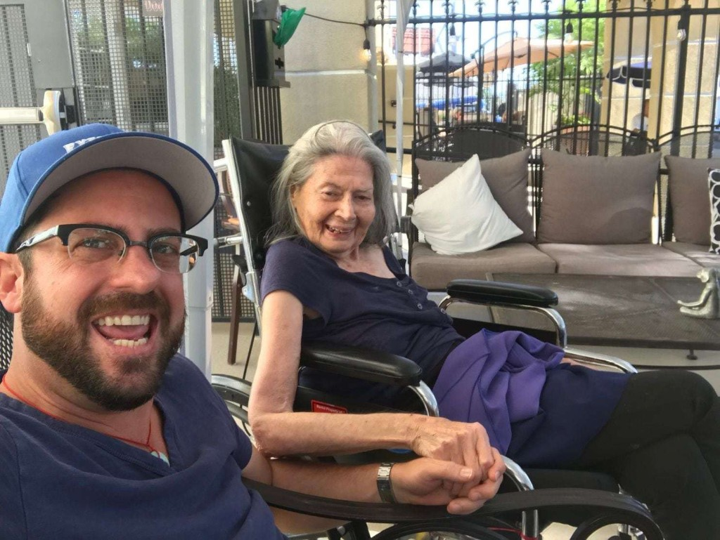 Comedians are being hired by the hour to help dementia patients. Their goal? 'A full belly laugh.'