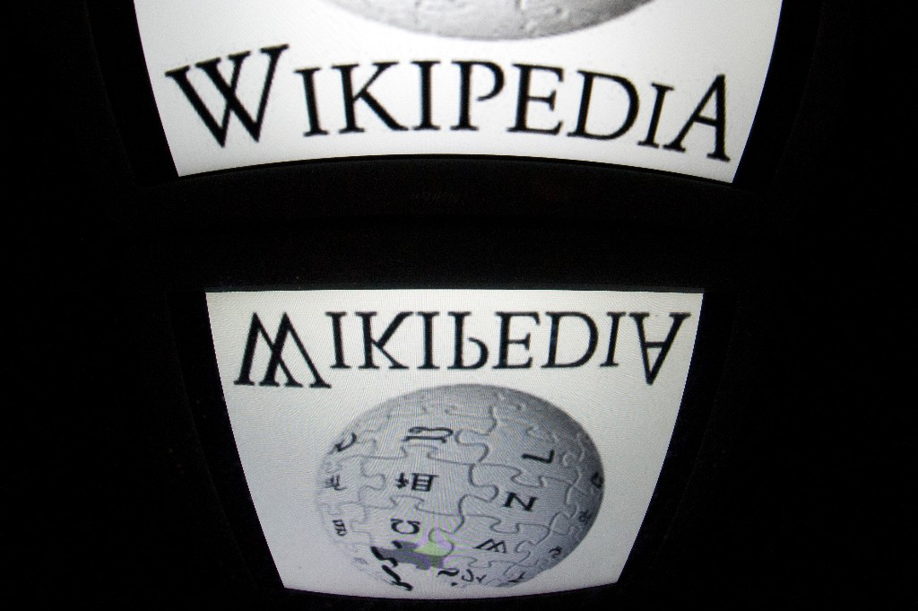 Wikipedia News and Resources - Magazine cover
