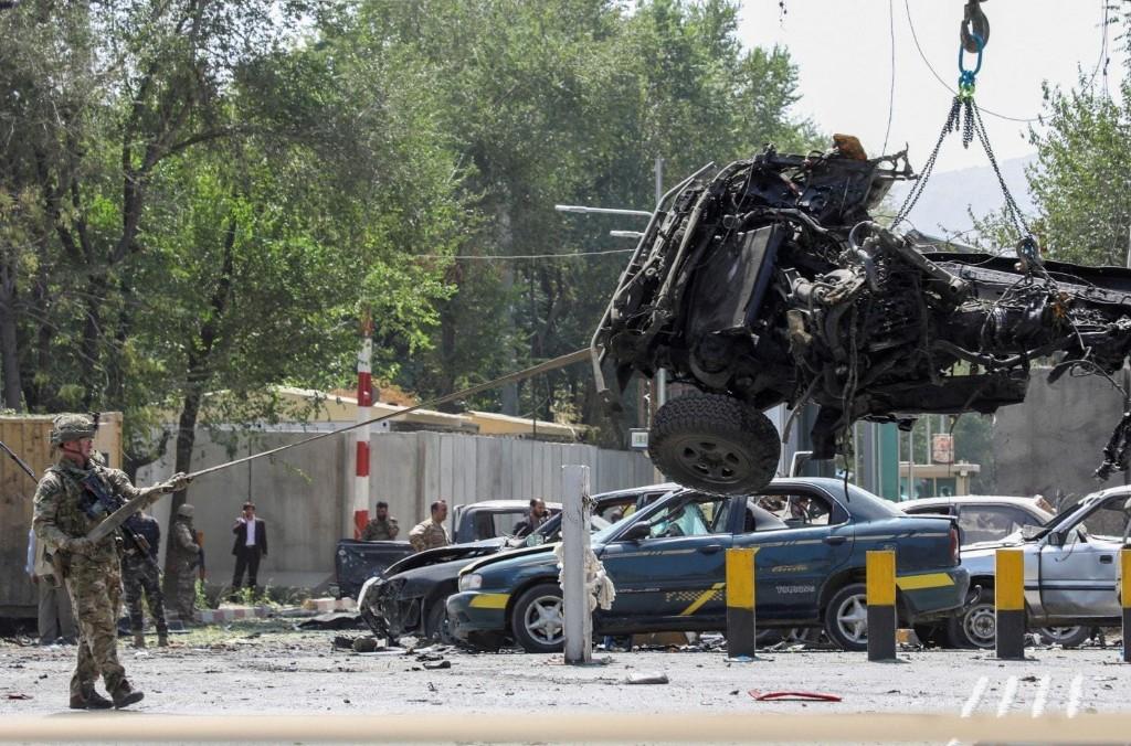 Taliban blast in Kabul kills 10, including U.S. and Romanian service members