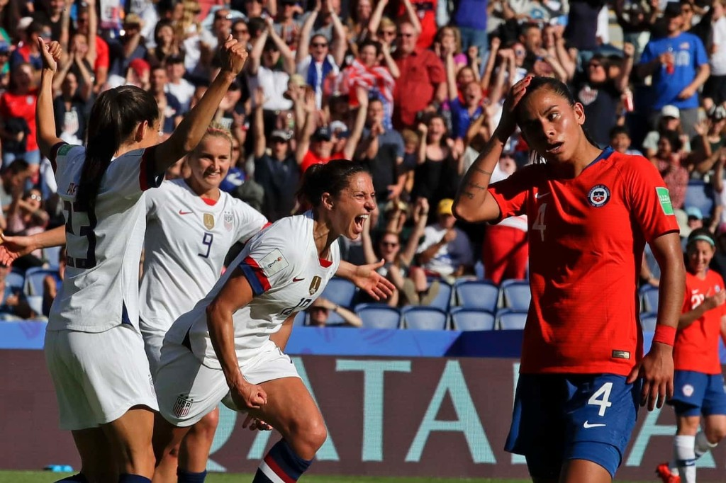 U.S. soccer cruises past Chile, points toward tougher World Cup tests