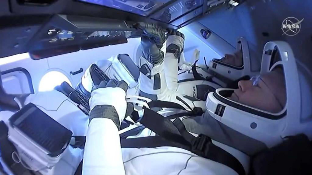 SpaceX capsule begins final orbit before reentry - The Washington Post