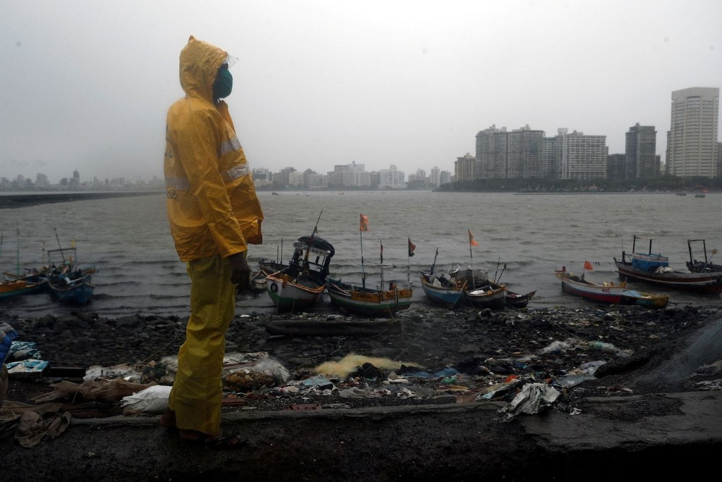 Severe cyclone bears down on Mumbai, India's coronavirus hot spot