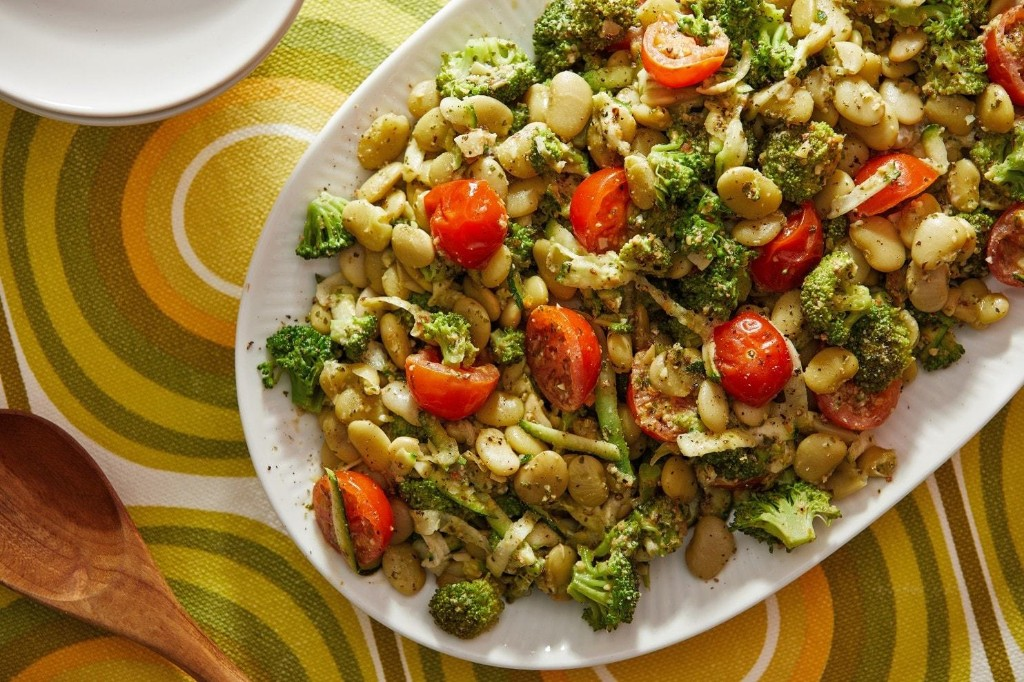 Garlicky Broccoli and Beans With Pesto - The Washington Post