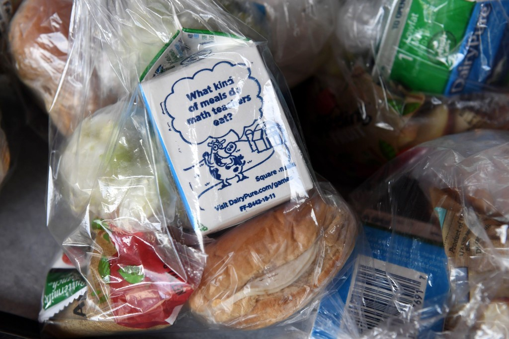 Should all American kids get a free school lunch? The pandemic might make that a reality.