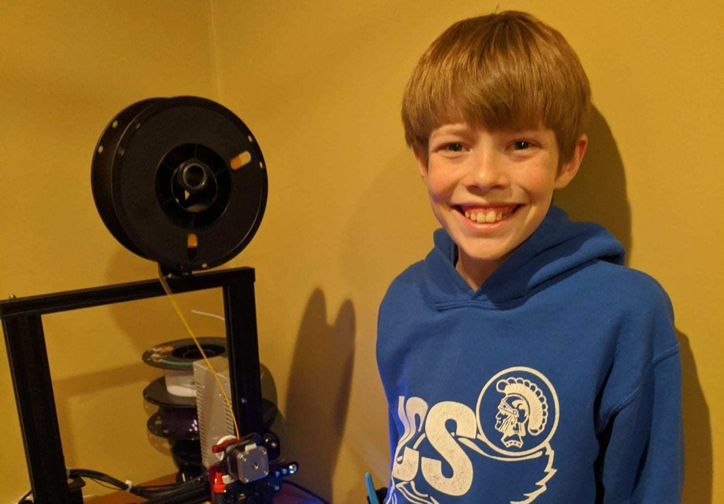 For Illinois teen, a 3-D printer becomes a tool to help health-care workers