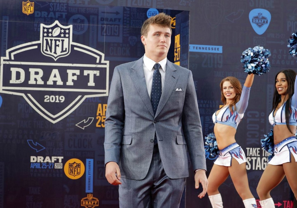 Top remaining NFL draft prospects entering the second round
