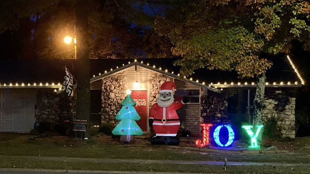 A family got a racist note after putting up a Black Santa. Soon, neighbors began displaying their own Black Santas.